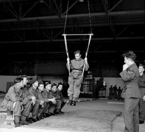 Parachute_training